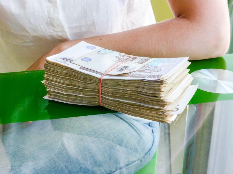 Stapel geld in Oezbekistan