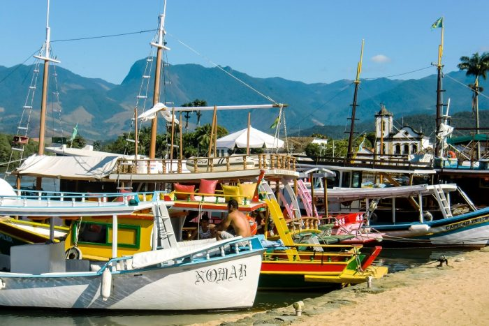 Haven van koloniaal Paraty, Brazilië