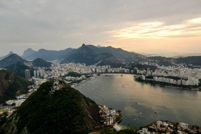 Uitzicht op de baai van Rio de Janeiro vanaf Pao de Azucar, Brazilië