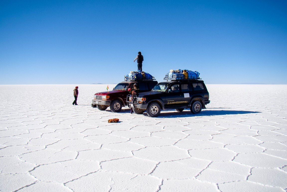 Jeeps op Salar de Uyuni, Bolivia