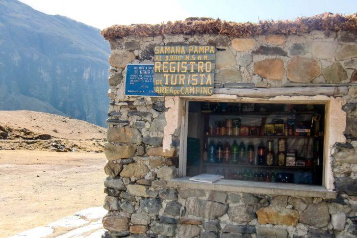 Een kiosk in Samana Pampa op de El Choro trail, Bolivia