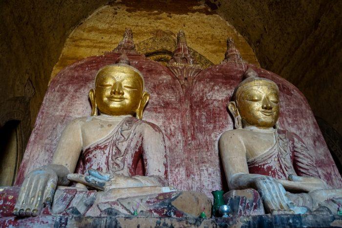 Boeddhabeelden in Bagan, Myanmar