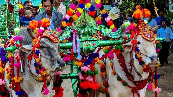 Boeddhistische ceremonie in Bagan, Myanmar