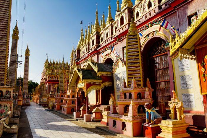 Buiten bij Thanboddhay nabij Monywa, Myanmar