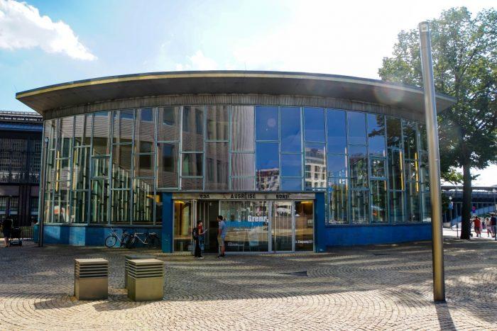 Het Tränenpalast in Berlijn, Duitsland