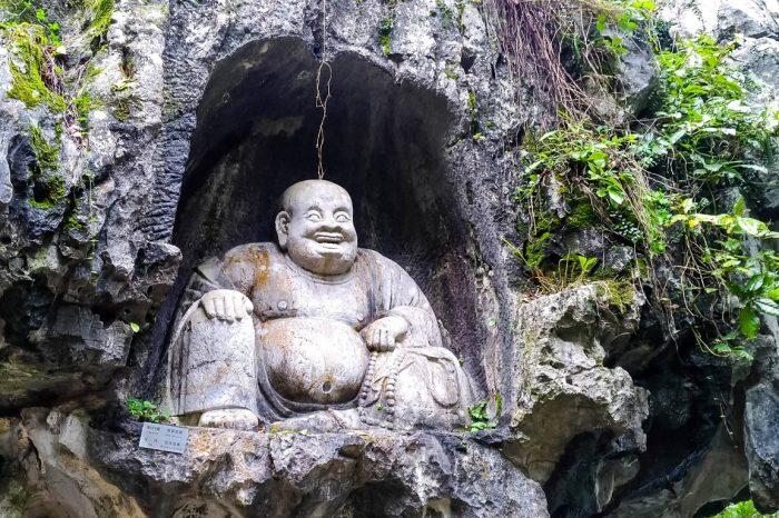 Boeddha bij Lingyin tempel in Hangzhou, China