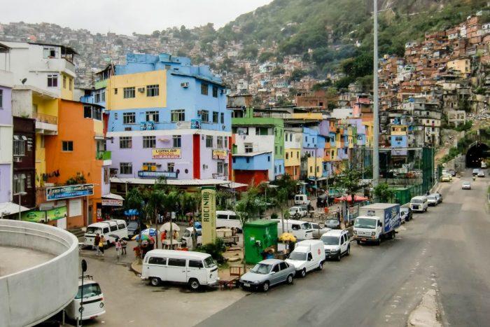 Ingang van fevala Rocinha in Rio de Janeiro, Brazilië