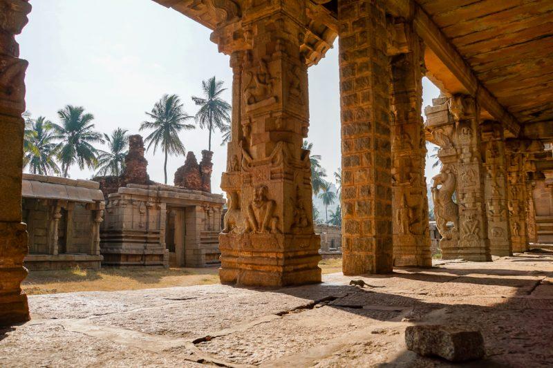 Details van een tempel in Hampi, India
