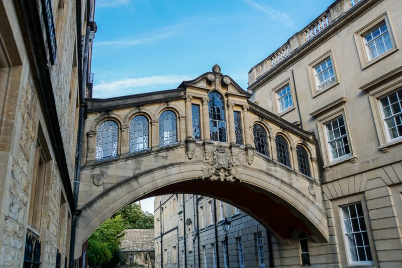 Hertford Bridge ofwel Bridge of Sighs in Oxford, Engeland