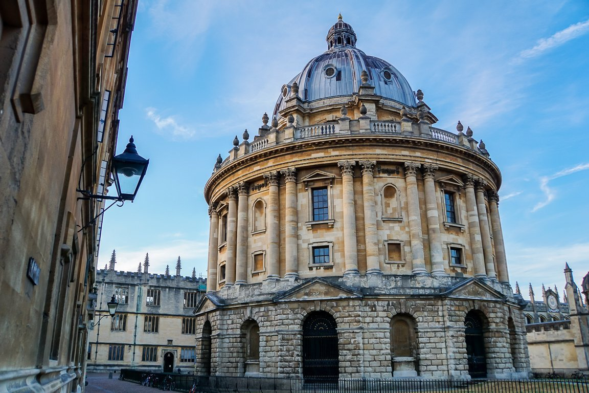 Het karakteristieke Radcliffe Camera in Oxford, Engeland