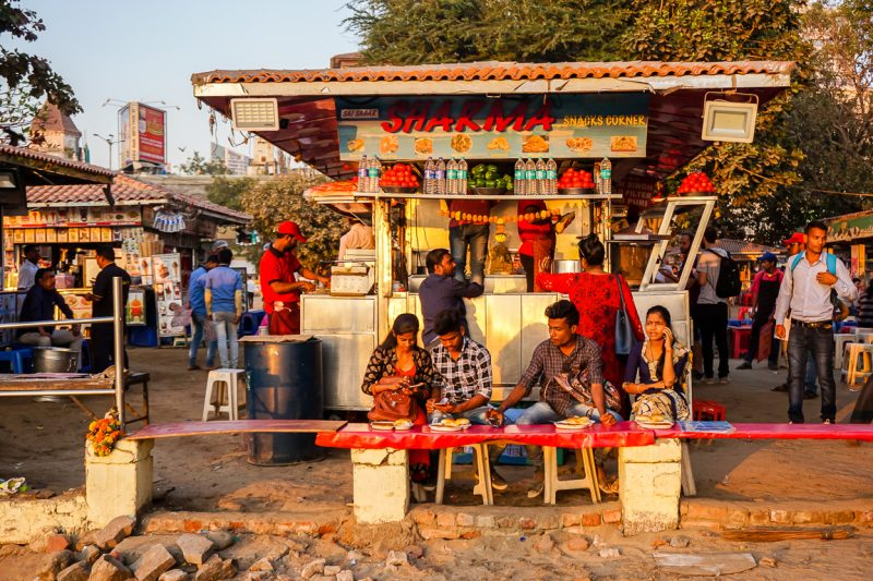 Kraampjes op Chowpatty Beach in Mumbai, India