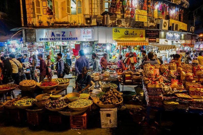 Markt bij Mohammed Ali Road in Mumbai, India
