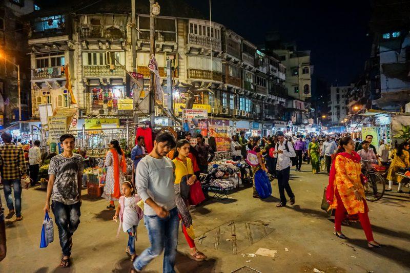 Mohammed Ali Road tijdens street food tour door Mumbai, India