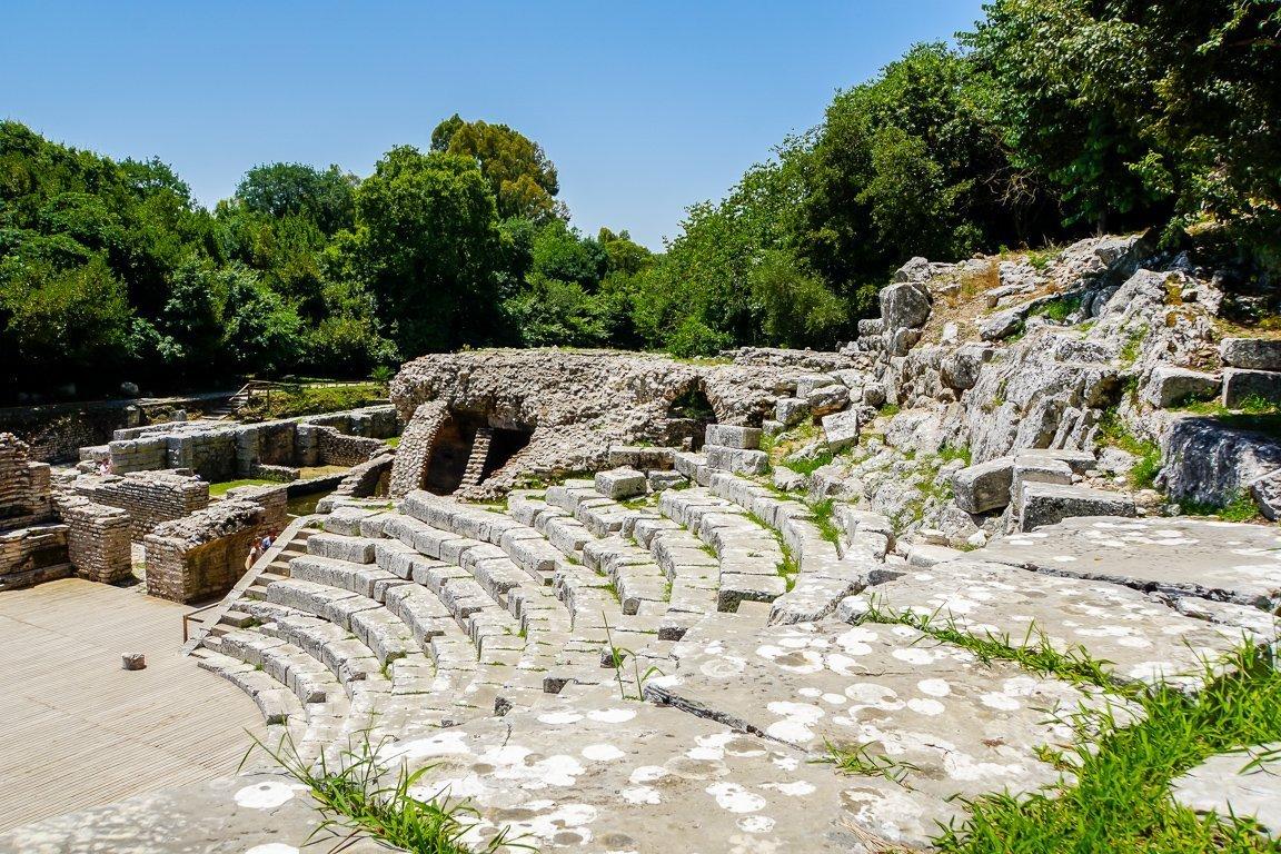 Het amfitheater van Butrint nabij Ksamil en Sarande, Albanië