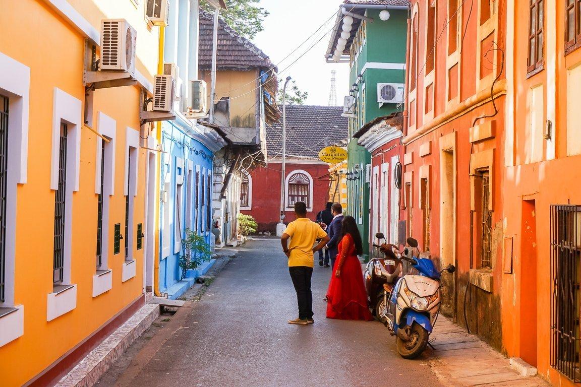 Kleurrijke straten in Panjim in Goa, India