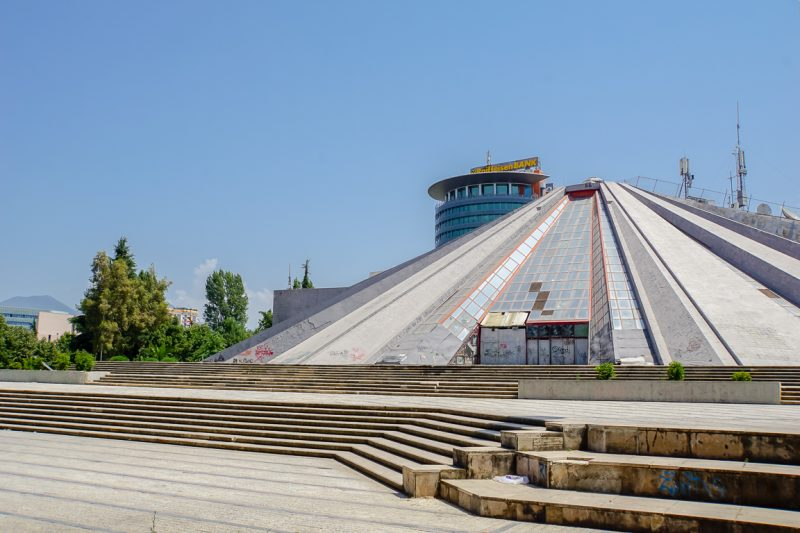 Piramide in Tirana, Albanië