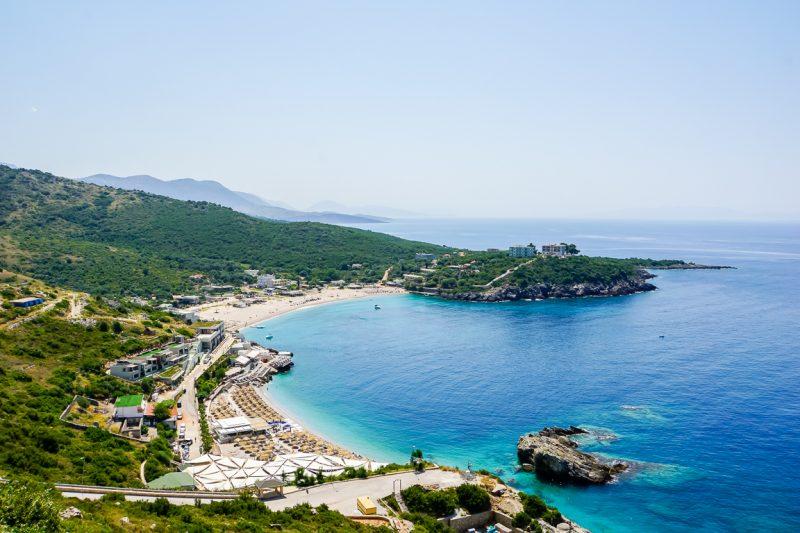 Uitzicht op het strand van Jale Beach in Albanië