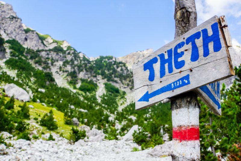 Wandelen in de Albanese Alpen tussen Theth en Valbona, Albanië