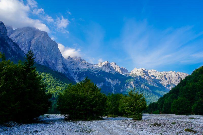 Wandelen van Valbona naar Theth door de Albanese Alpen, Albanié
