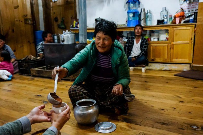 Eten bij mensen thuis in Phobjikha Valley, Bhutan