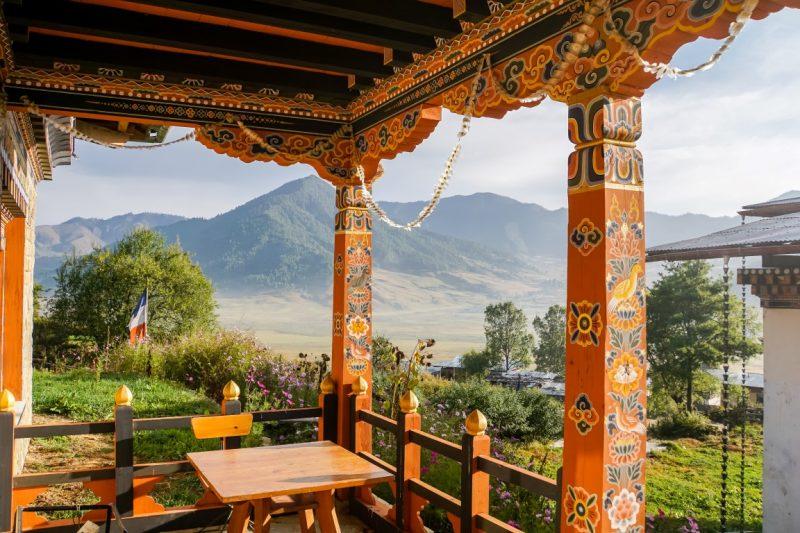 Uitzicht over Phobjikha Valley vanaf het hotel, Bhutan