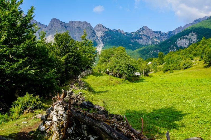 Wandeling door de mooie Albanese Alpen, Albanië