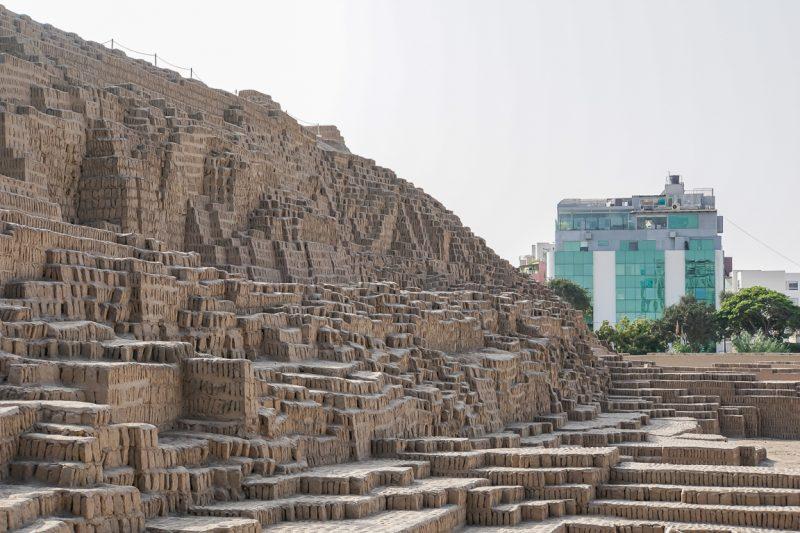 De Huaca Pucllana ruïne in Lima, Peru