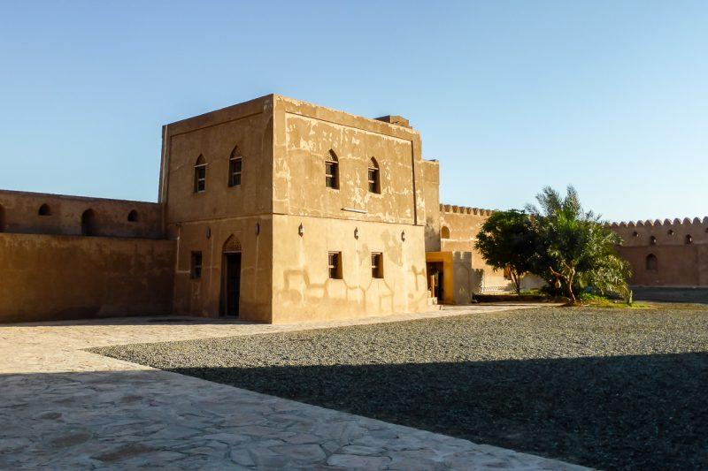 De binnenplaats van het kasteel fort Jabrin in Oman