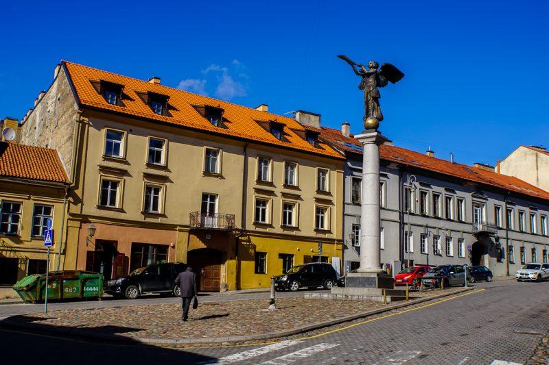 De engel van Uzupis in VIlnius, Litouwen