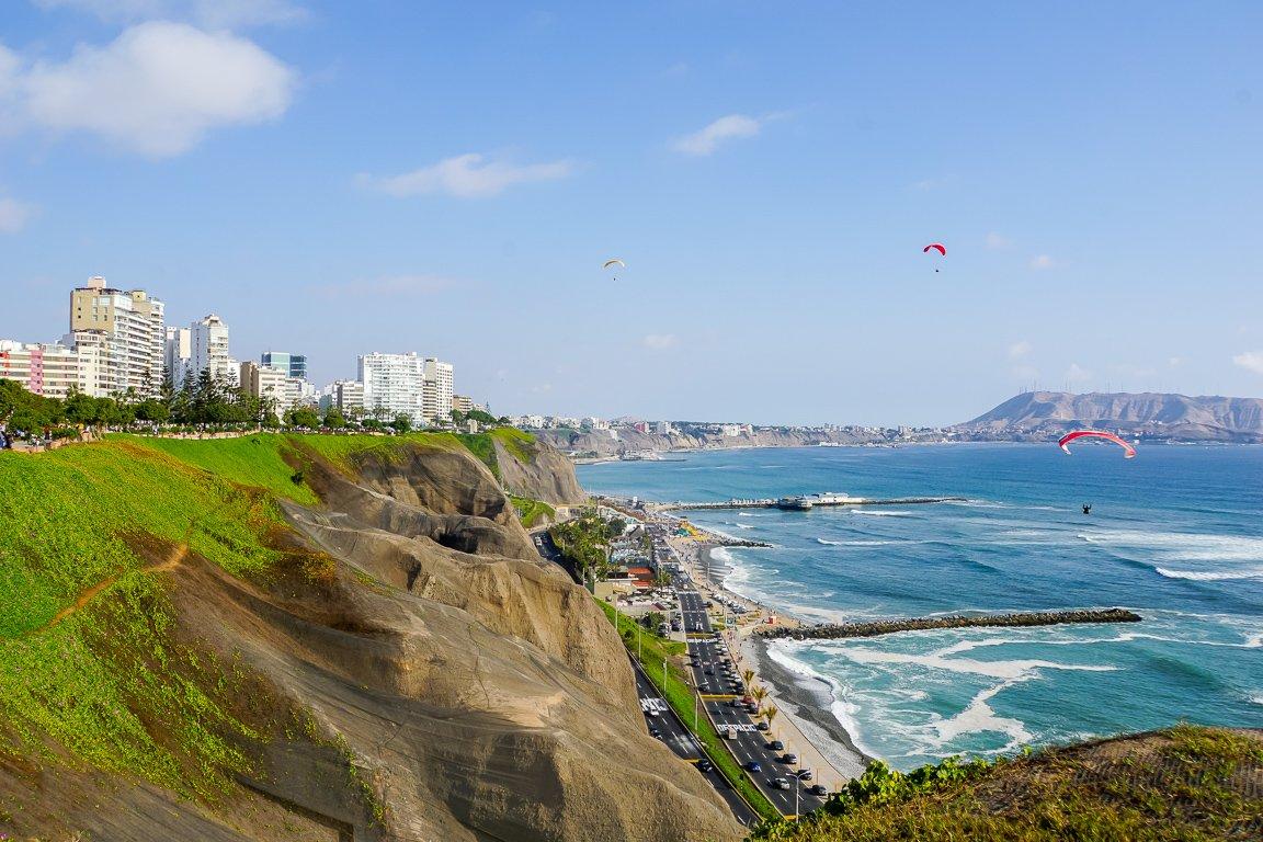 De kust bij Miraflores in Lima, Peru