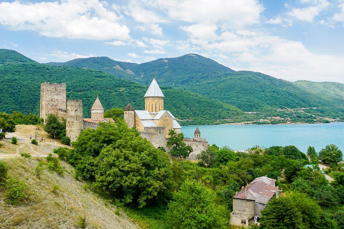 Het Ananuri klooster, Georgië