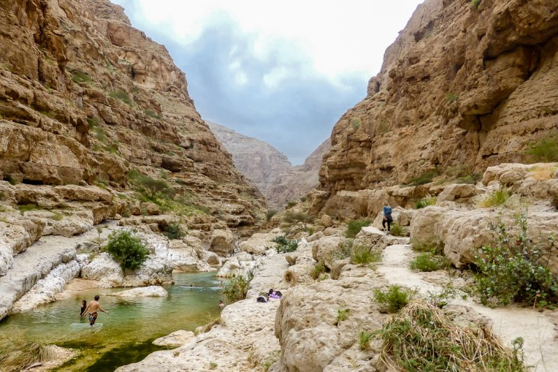 Hiken in Wadi Shab in Oman