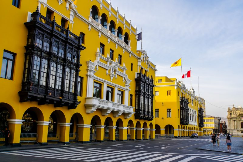 Koloniaal gebouw op de Plaza Mayor in Lima, Peru