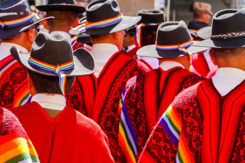 Mannen bij Inti Raymi in Cuzco, Peru