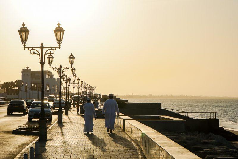 Namiddag op Qurm beach in Muscat, Oman
