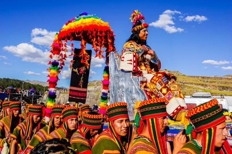 Show bij Sacsayhuaman tijdens Inti Raymi in Cuzco, Peru