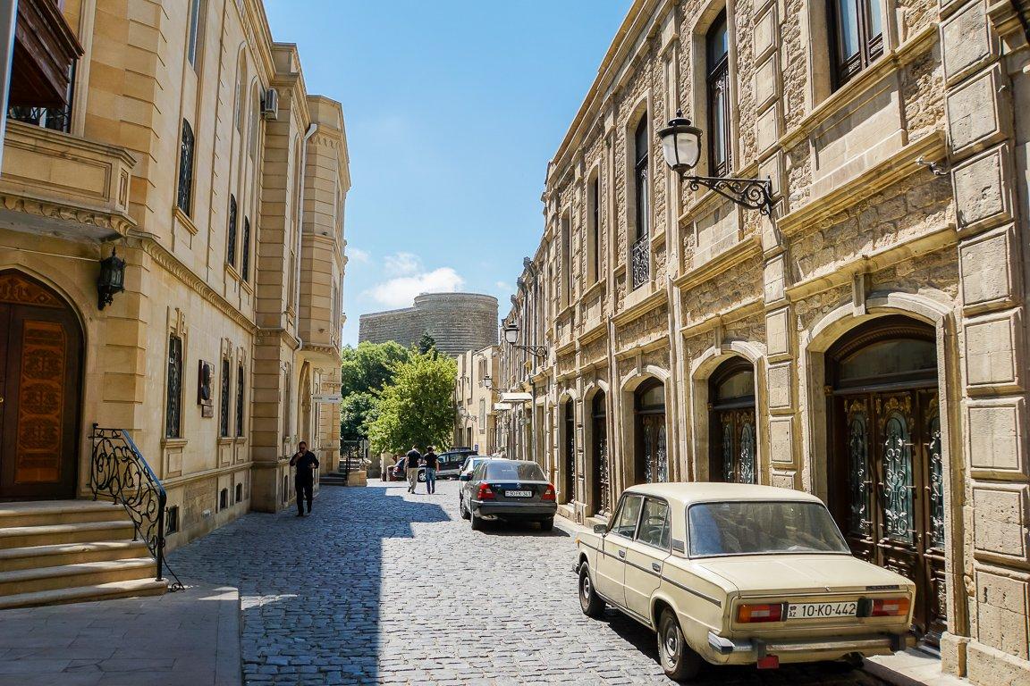 Straat in oude centrum van Baku, Azerbeidzjan