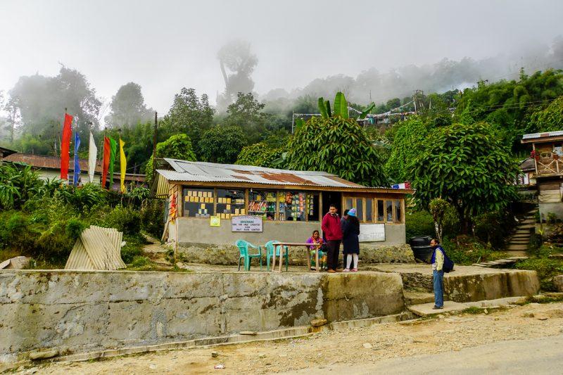 Tussenstop tijdens een taxirit in Sikkim, India