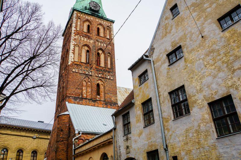 Uitzicht op St James in Riga, Letland