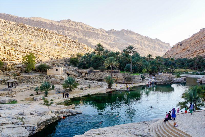 Uitzicht over Wadi Bani Khalid in Oman