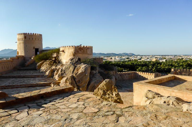Uitzicht vanaf het fort van Nakhal in Oman