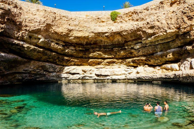 Zwemmen in Bimmah Sinkhole, Oman